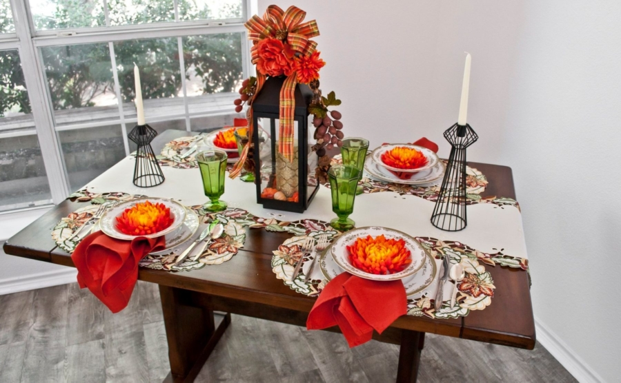 embroidered fall maple leaf table runner