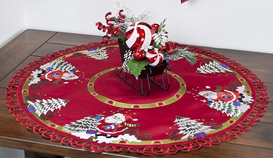 "create a ""santa claus""  style christmas decor"